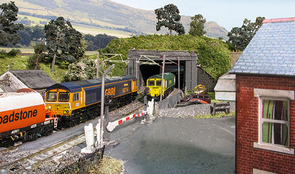 Fredstone Lane in N gauge