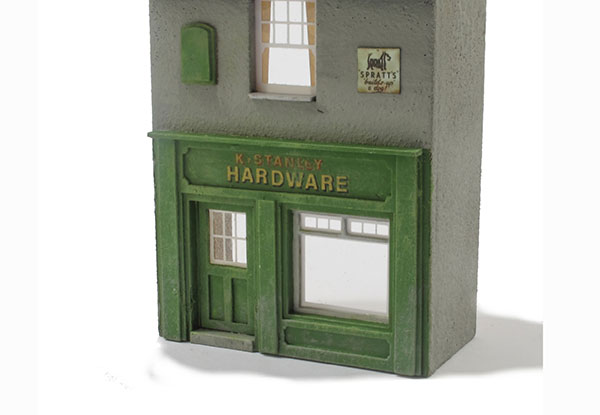 How to make realistic shop windows for your model railway