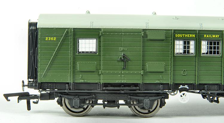 Hornby SR luggage van