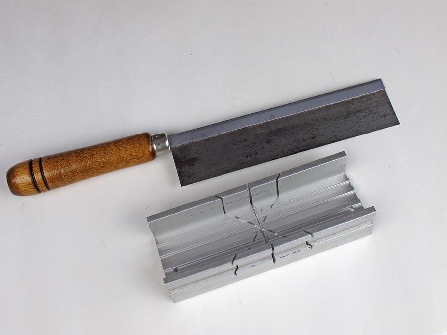 Model Railway razor saw and cutting block