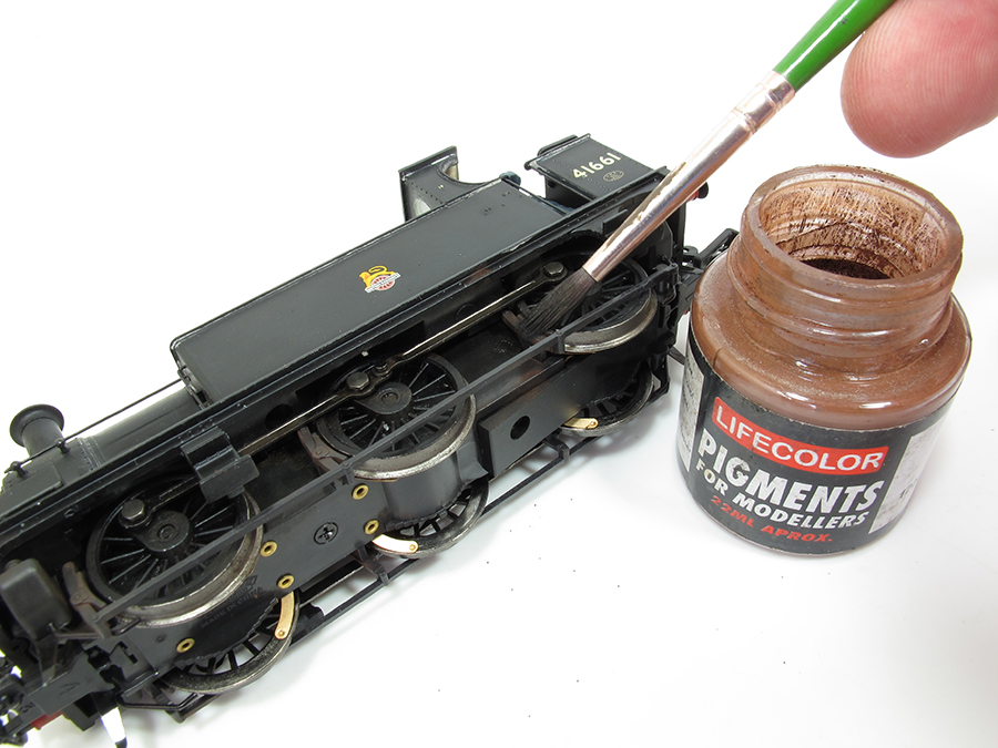00 Gauge weathering Bachmann Midland 1F 0-6-0T 10
