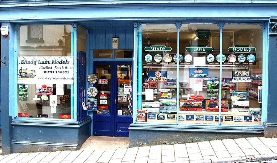 Shop-frontage-06778.jpg