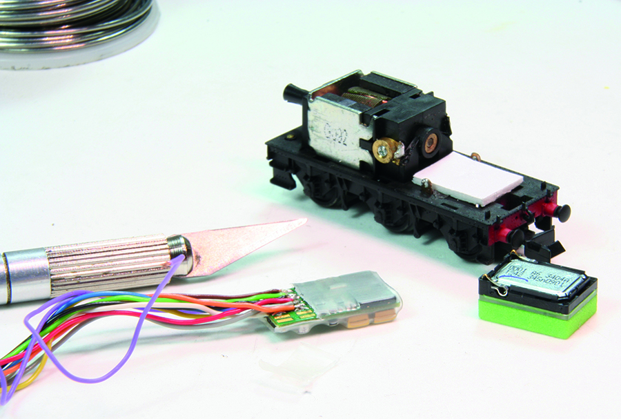 Zimo MX-648 decoder locomotive
