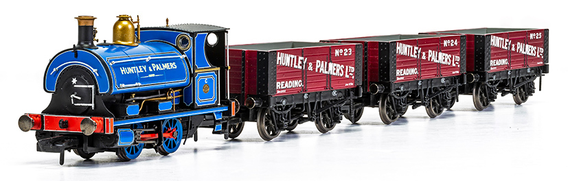 Hornby W4 Peckett and wagon pack R3686