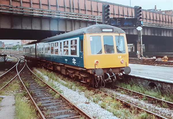 Class 108 DMU Manchester Picadilly 1992